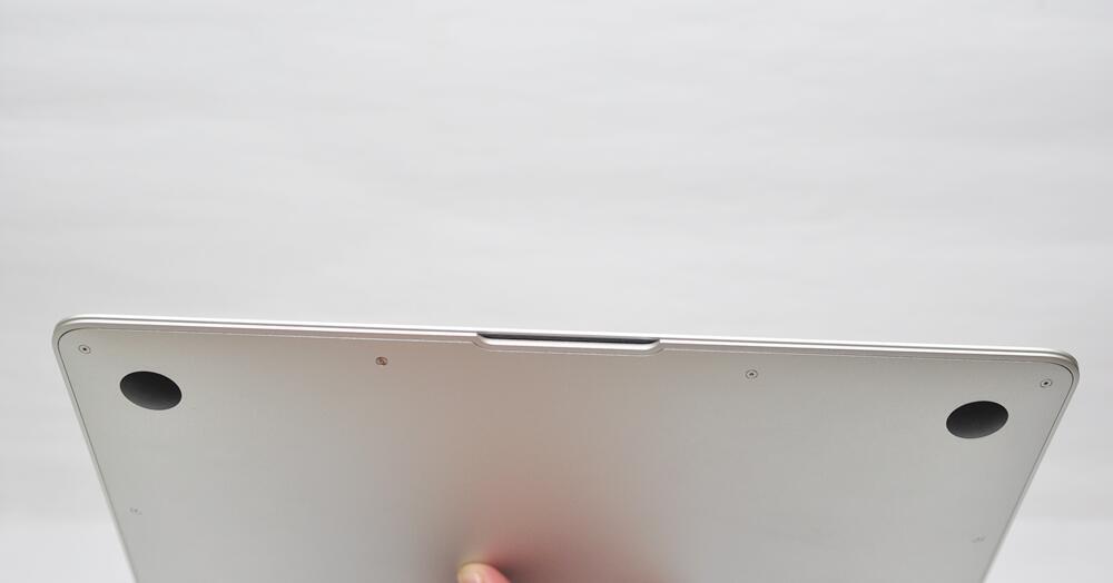 ::: WTS MacBook Air MC969J/A 1.8GHz/4GB/SSD 256GB, Like New :::