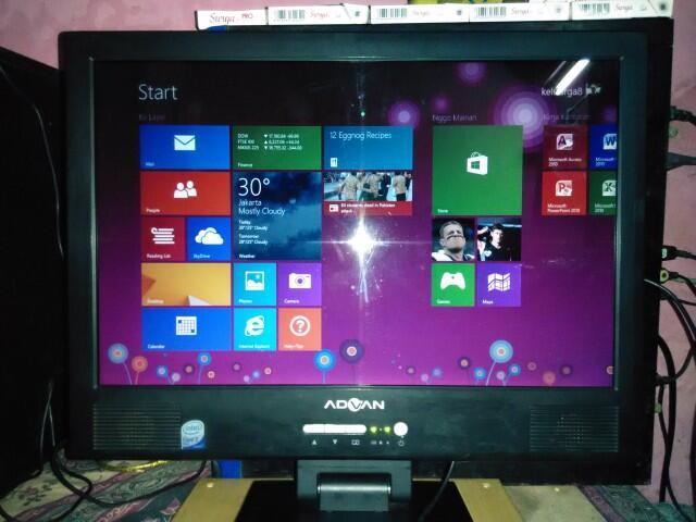 Advan Deskbook D7T-80 PC & Toshiba Satelite A205