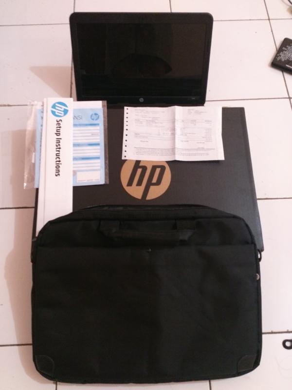 Laptop HP 1000 AMD like new