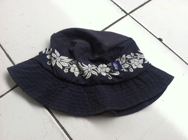 e70ec1233b8 Terjual Bucket Hat original   Supreme