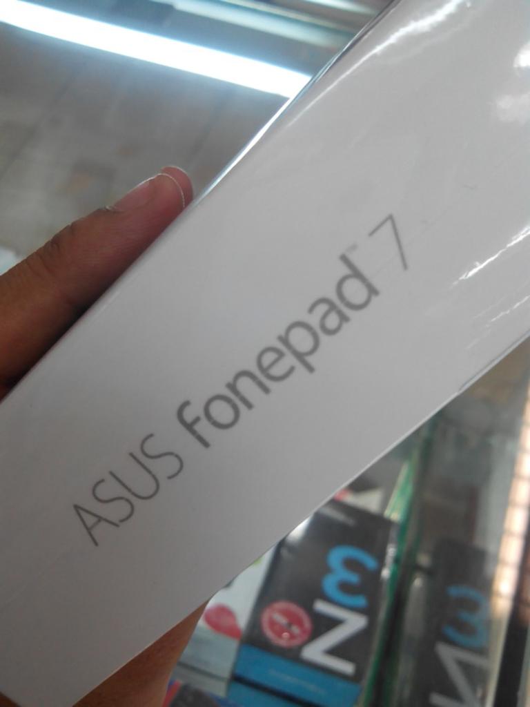 Asus Fonepad 7 fe170cg 100% baru garansi resmi TAM bonus indosat internet.