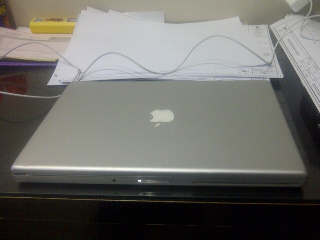 Laptop macbook pro 3.1 Surabaya Murah