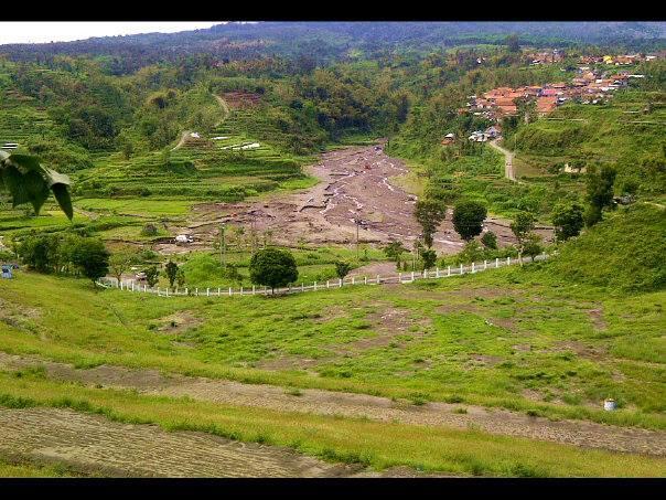 10 Tempat di Indonesia Yang Membuat Kita Serasa Jalan-Jalan Ke Luar Negeri