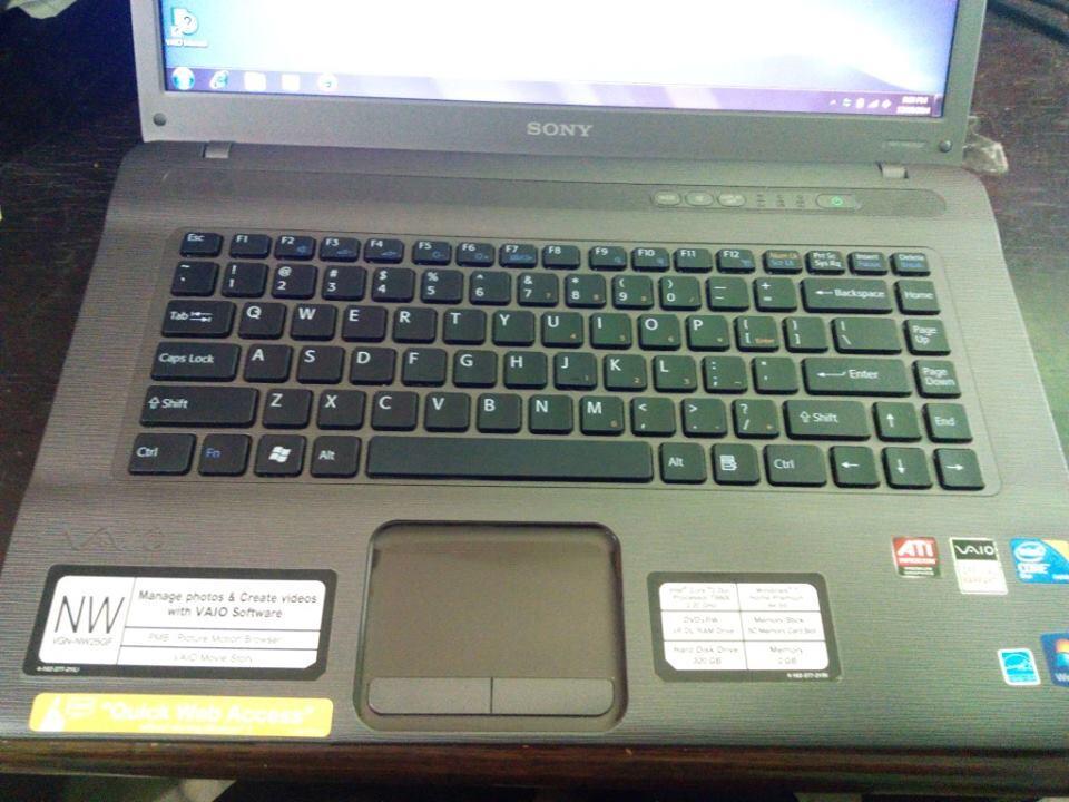 Laptop Sony Vaio C2duo t6600 VGA Ati Win 7 Ori Mulus Limited Spek Ajib Desain & Game