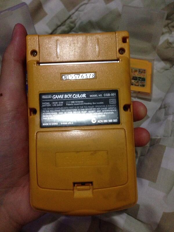 Wts gameboy color rare + 3 kaset nya