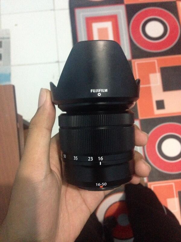 J> Lensa fujifilm 16-50mm Fujinon super EBC XC f3,5-5,6 copotan X-m1