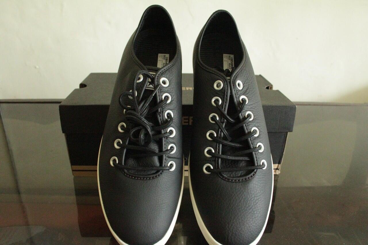 Jual Sepatu dan Tas Converse