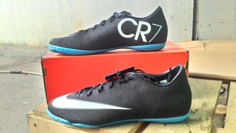 Sepatu futsal Ronaldo NIKE MERCURIAL VICTORY V CR IC Black white neo turquoise Ori