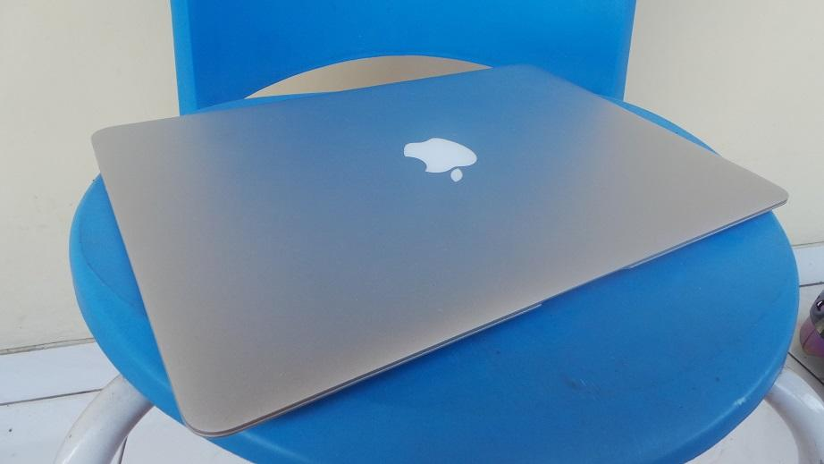 MacBook Air MD231 13inch Core i5 |SSD128 |4GB | Mulus Muriih Semarang
