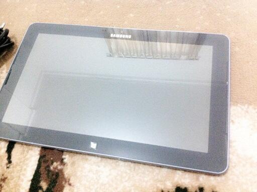 jual laptop Samsung Ativ Smart PC XE500T1C windows8 kondisi rusak / matot