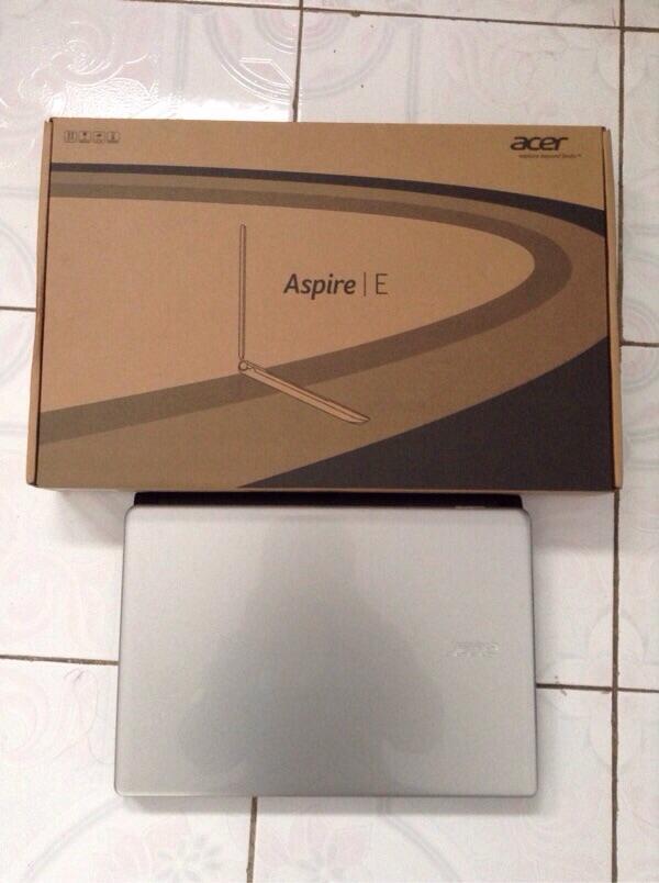 Laptop acer aspire E1-470