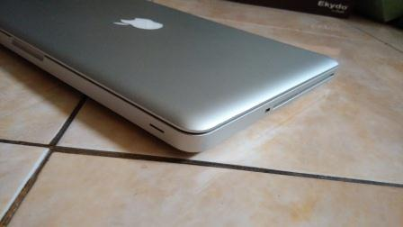 MACBOOK PRO 13 INCHI MID 2010 RAM 8 GB HDD 320GB JARANG PAKAI CC NORMAL MURAH GAN