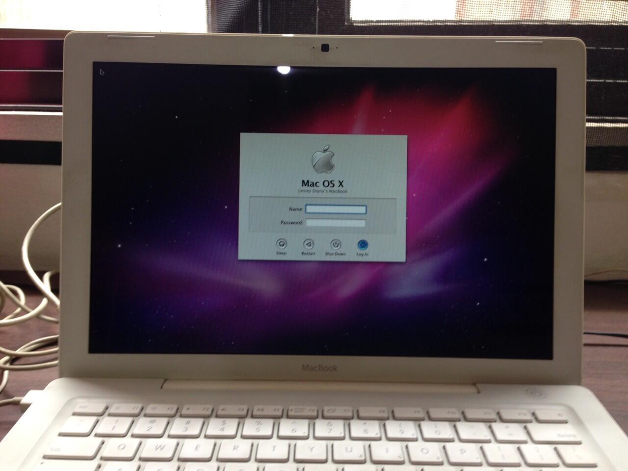 JUAL Macbook White 13 Inch