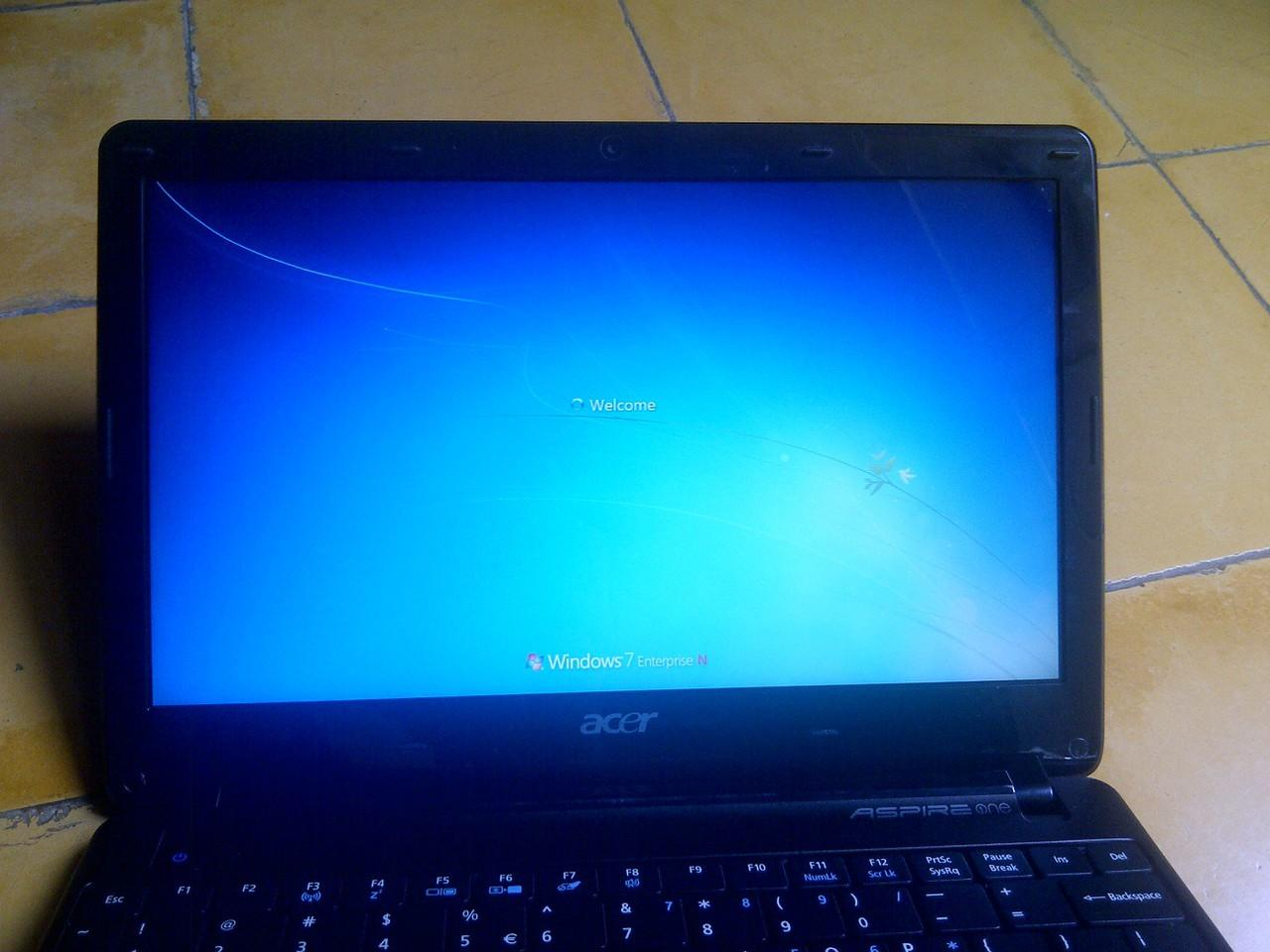 Netbook Acer One 722