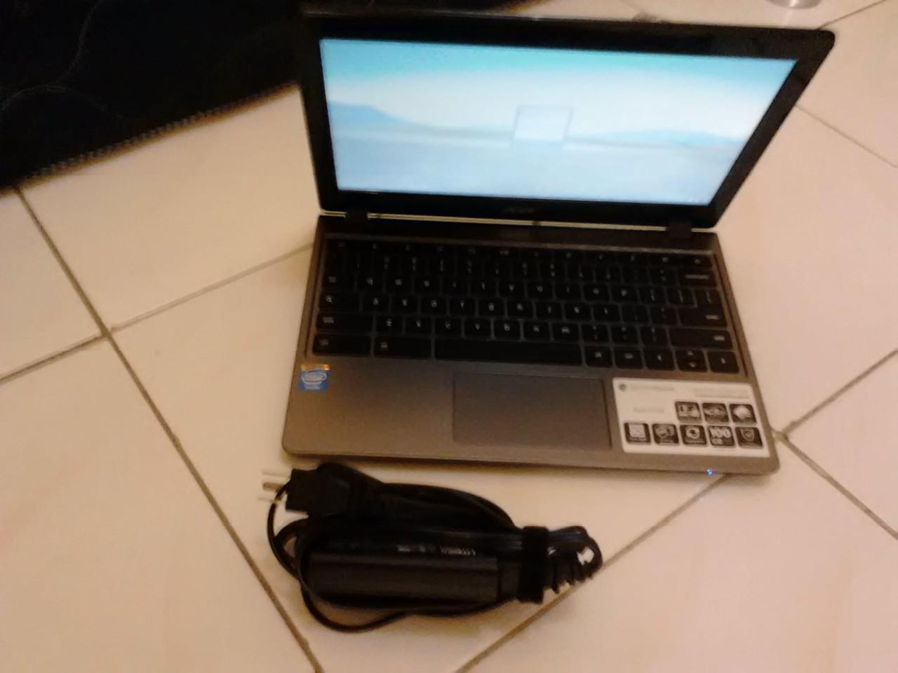WTS: Acer Chromebook C720 fullset + bonus softcase & konektor HDMI to Proyektor