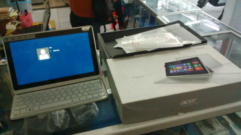 Ultrabook Acer Aspire P3-171 Core i5 4gb SSD 120gb Fullset Like New Solo