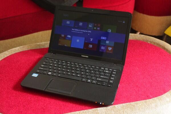 Laptop Toshiba Satellite C840 Core i3 sandy ram 2gb hardisk 500gb mulus segel utuh