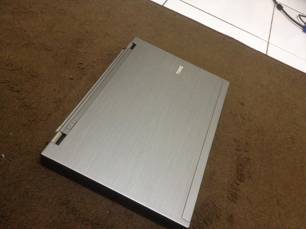 DELL LATITUDE E4310  i5 520M 2.4 GHZ  WEBCAM  4 GB RAM  250GB HDD  MULUS AS NE