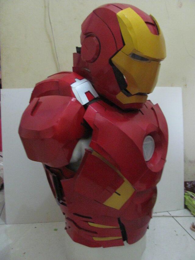 Microsoft HoloLens: Teknologi hologram di film Iron Man sekarang jadi nyata :D