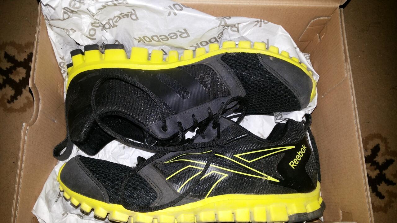 Jual murah ga pake lama sepatu running reebok realflex 2.0 ukuran 44