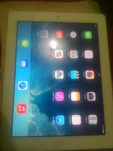 ipad 2 32GB WIFI only lengkap putih nego butuh U gan