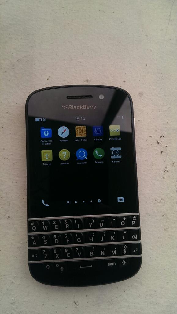 wts blackberry bb Q10 hitam mulus batangan murah nego