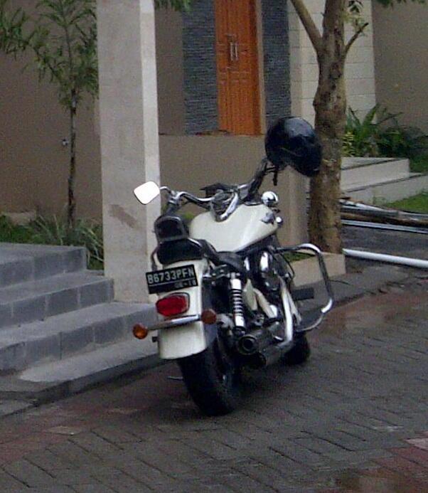 Moge Kawasaki Vulcan 1500cc tahun 2002
