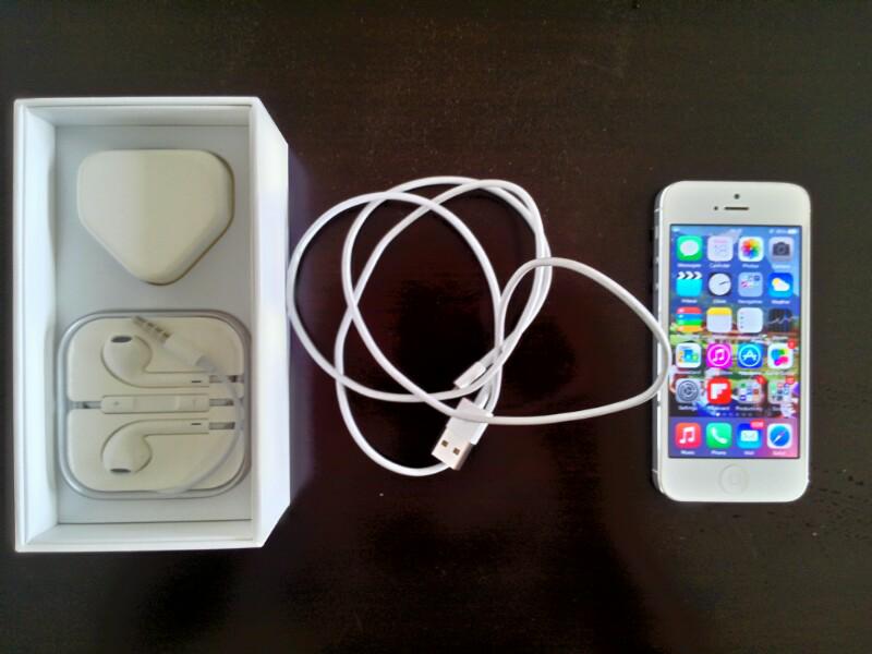 iPhone 5 64GB (White)