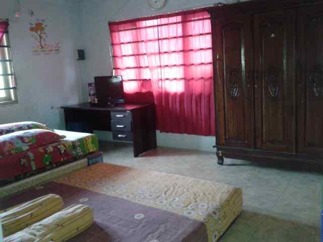 Rumah Siap Huni Deket Jalan / ciledug .samping Rumah Sakit karang tengah Nego