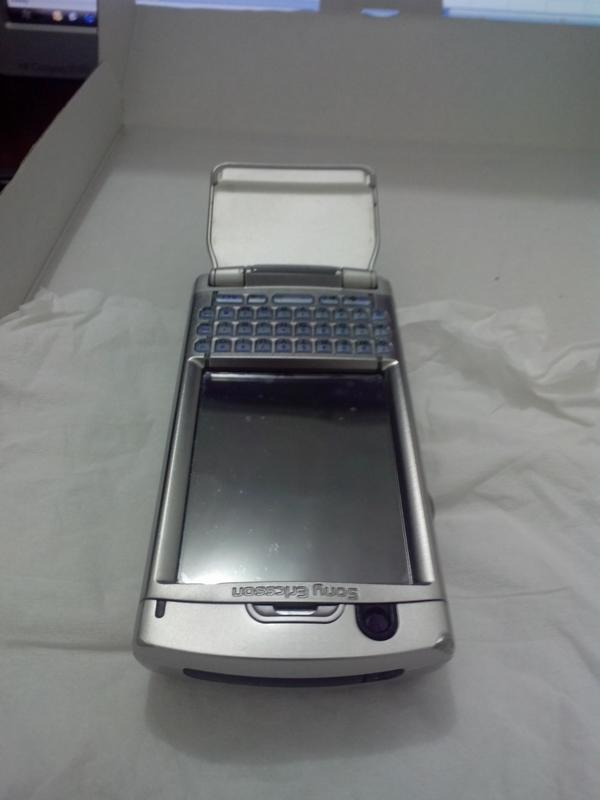 Sony Ericsson / Soner P990 (Mint Condition & Fullset)