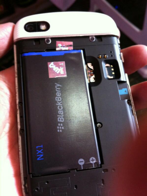 Blackberry q10 TaM Malang white