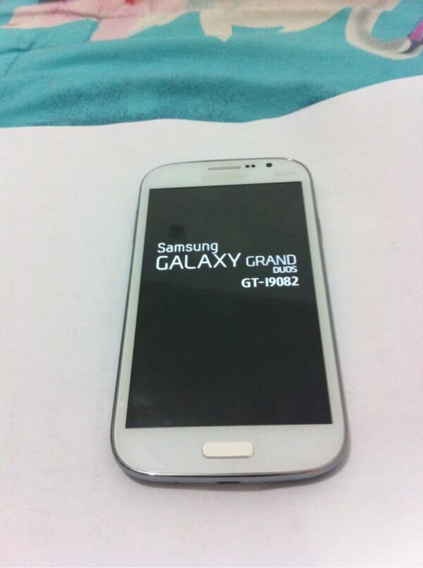 Samsung grand duos white gt-i9082