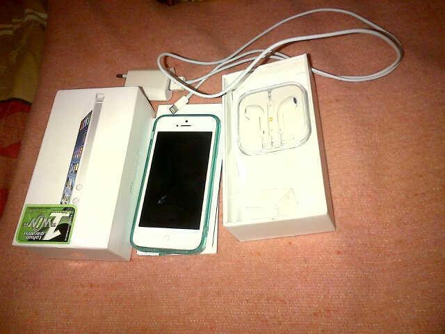 wts : iphone 5 mulus 16gb, .....ex garansi