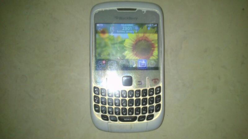 blackberry 8520 gemini beserta dus