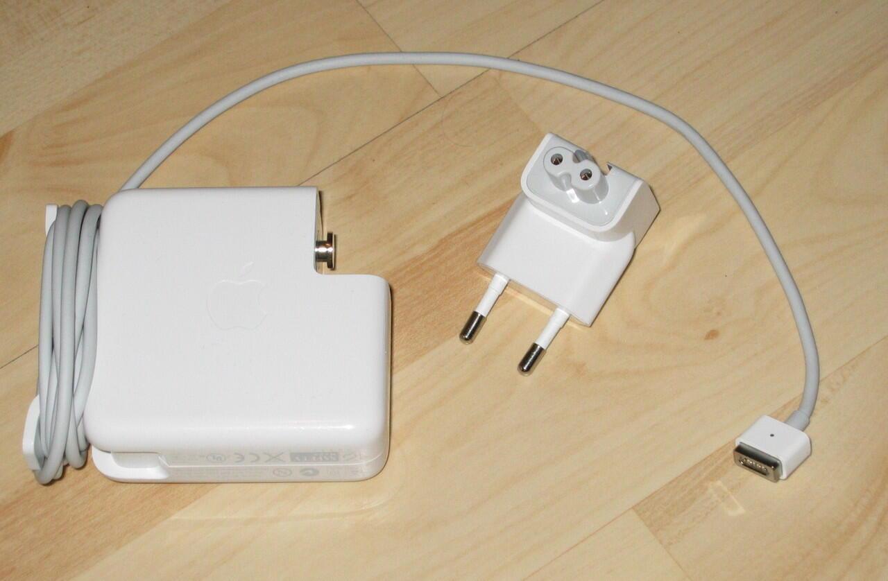 ### Baterai battery apple 1185, 1181 untuk macbook wrn putih dan hitam ##############