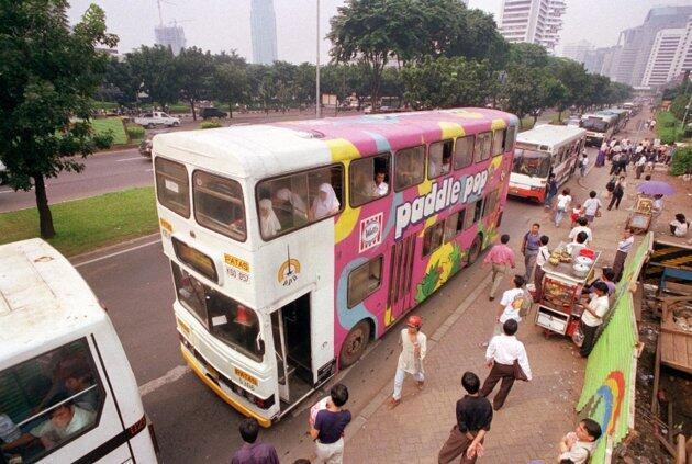 Menikmati Kota di Indonesia dengan Bus Tingkat Wisata