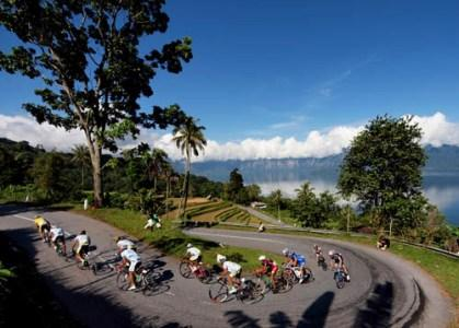 5 Jalan Paling Indah di Indonesia