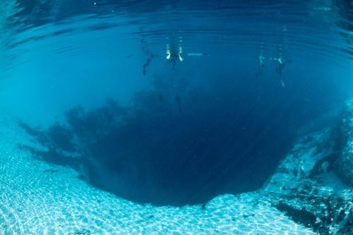 Dean's Blue Hole, Lubang Biru Terdalam di Dunia