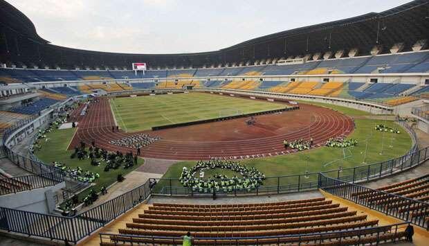 Pemain Persib Ini Sedih Stadion Baru Ambles
