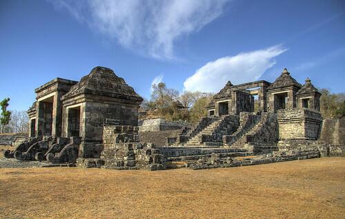 10 FOTO Ini Membuktikan Bahwa Peradaban Indonesia Cerdas !