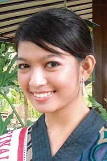 [MULUSTRASI] Selvi Ananda, Calon Istri Putra Sulung Jokowi yang Gemar Ayam Goreng