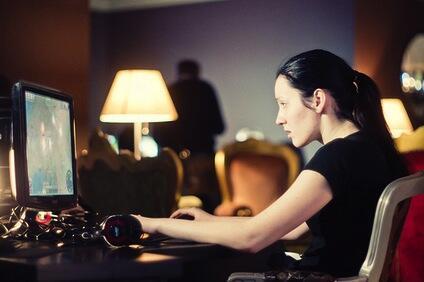 7 Alasan Game Online Lebih Seru Dibanding Game Offline