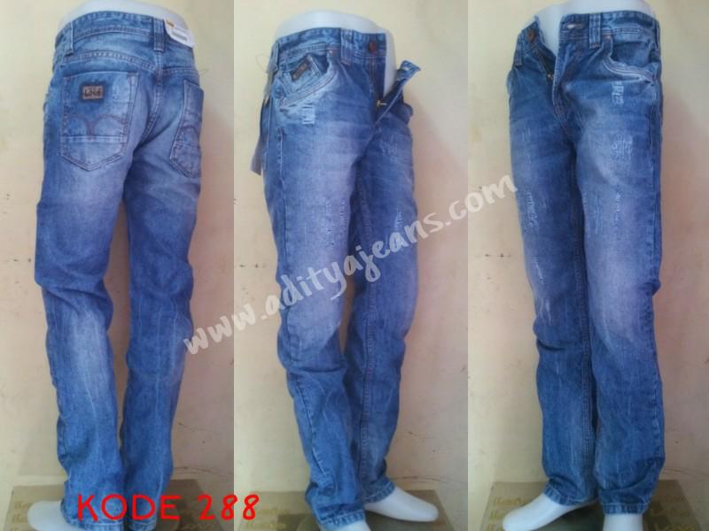jual celana jeans merk lois murah(fashion,classic, ladies, pendek)