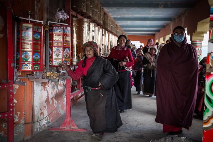 Mengintip Kehidupan Sekolah Terbesar di China [PICT]