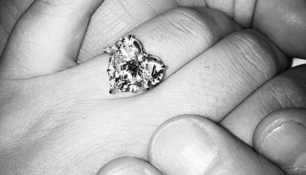 Tetap Romantis Setelah 10 Tahun Menikah, Mungkinkah?