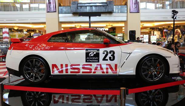 Nissan GT Academy Competition 2015 - Agan Bisa Jadi Pembalap Beneran!