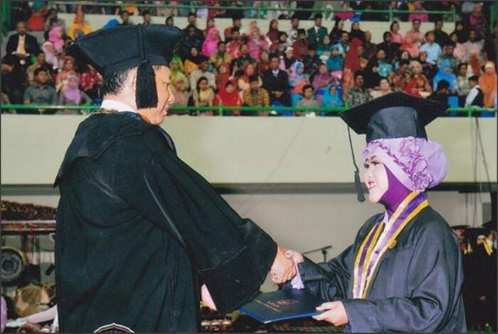 Hal Yang Bikin Males Pulang Kampung Para Mahasiswa Yang Udah Lulus Kuliah