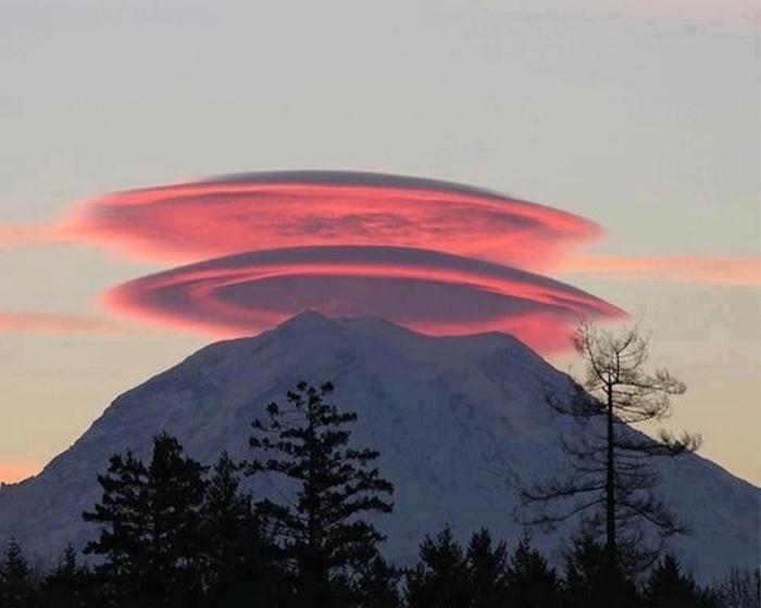 Fenomena Natural Aneh Yang Benar - Benar Terjadi di Bumi Kita !