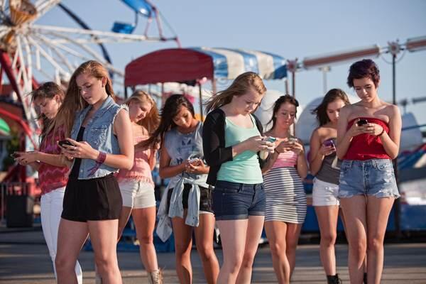 Inilah 7 Arti Smartphone bagi Cewek