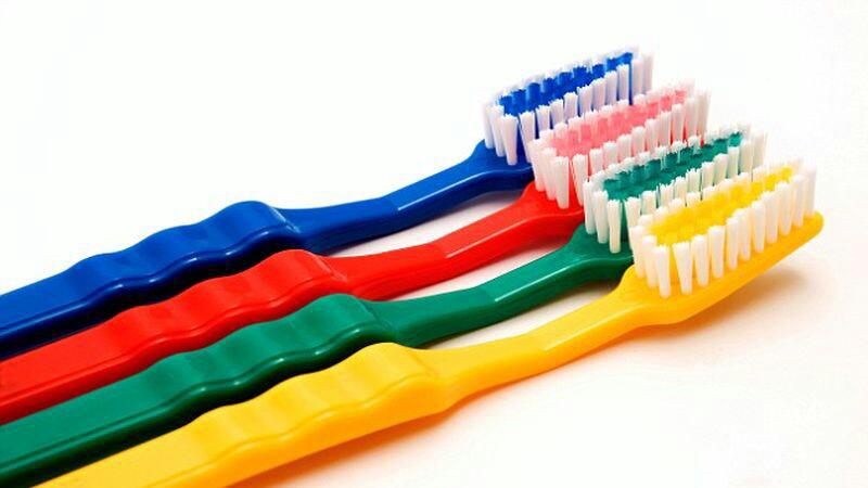 Jangan buang sikat gigi bekas gan